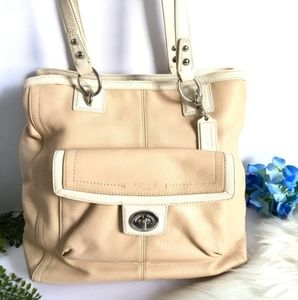 COACH | CARRYALL SHOULDER PEBBLED LEATHER TOTE